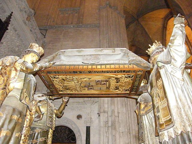 640px-Cattedrale-Sarcofago_di_Cristoforo_Colombo_-_panoramio
